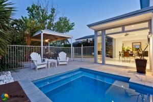 Home Pool Builders